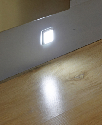Picture of Sirius Square LED 3 Plinth Light Kit SY7523WW or NW